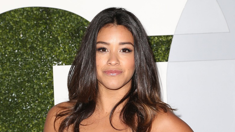 Gina Rodriguez's False Eyelash Fell Off During The Golden Glob