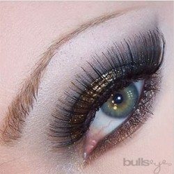 Wearing Bullseye Eyelashes – Secret to Firmer Gripped Natural-Looking Falsies