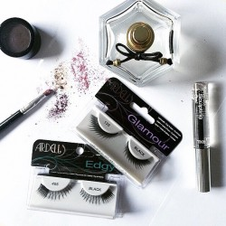 Easy Beauty Hacks to Remove and Prepare to Reuse False Lashes