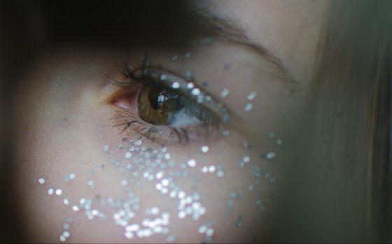 false-lashes with glitter